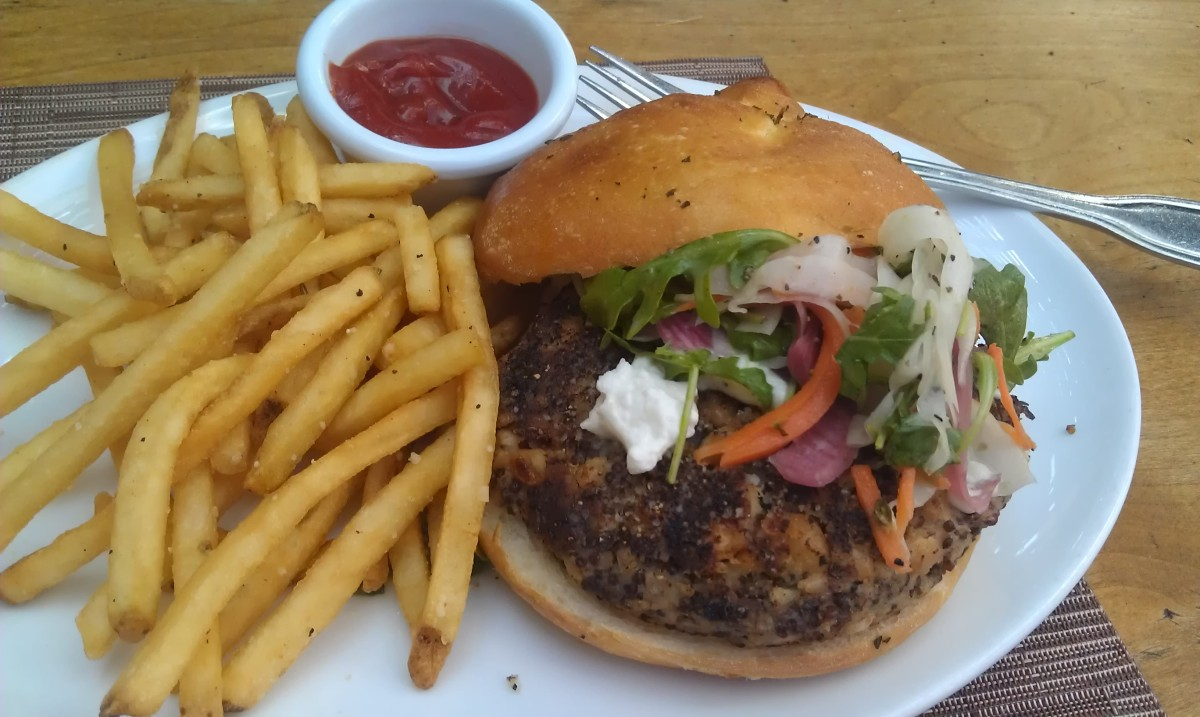 Puck's Veggie Burger